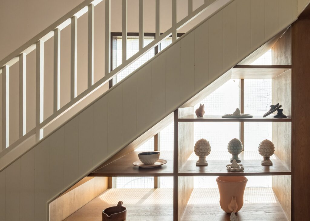 aménager un espace vitre sous les escaliers